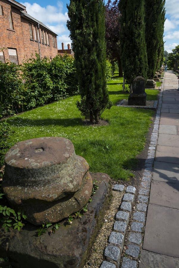 Красивый римский сад в Честере город графства Чешира в Англии стоковые фото