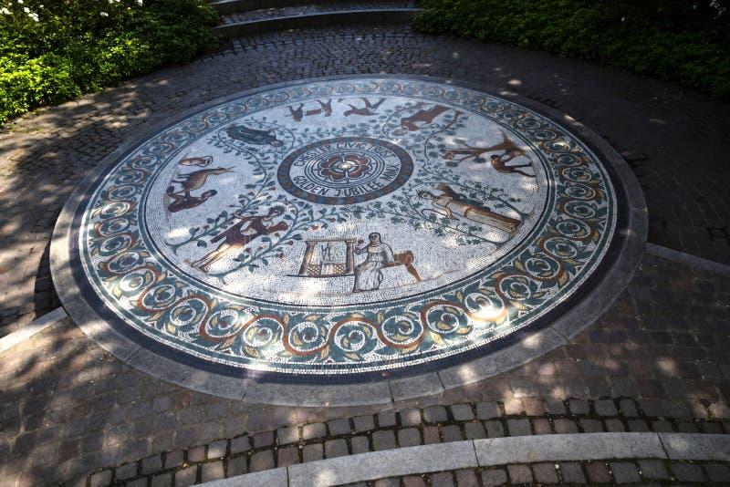 Красивый римский сад в Честере город графства Чешира в Англии стоковая фотография rf