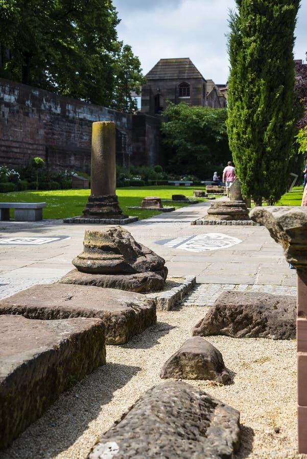 Красивый римский сад в Честере город графства Чешира в Англии стоковые изображения