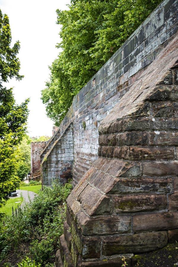 Красивый римский сад в Честере город графства Чешира в Англии стоковые фотографии rf