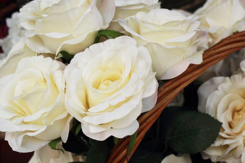 Download Красивый розовых искусственных цветков Стоковое Фото - изображение насчитывающей флористическо, нутряно: 37926088