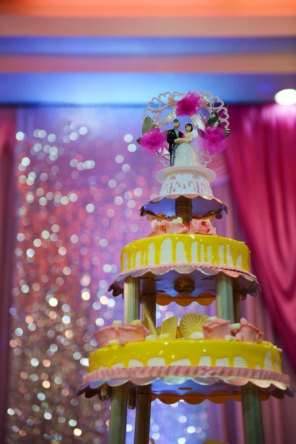 Красивый свадебный пирог стоковая фотография rf