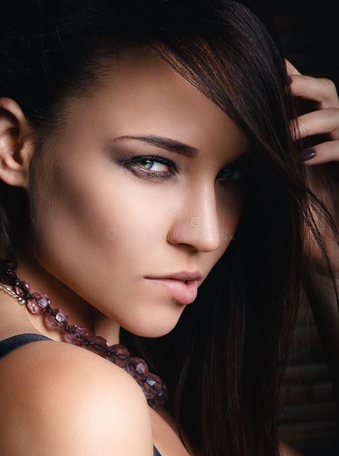 Красивый сексуальный конец молодой женщины вверх стоковые изображения rf