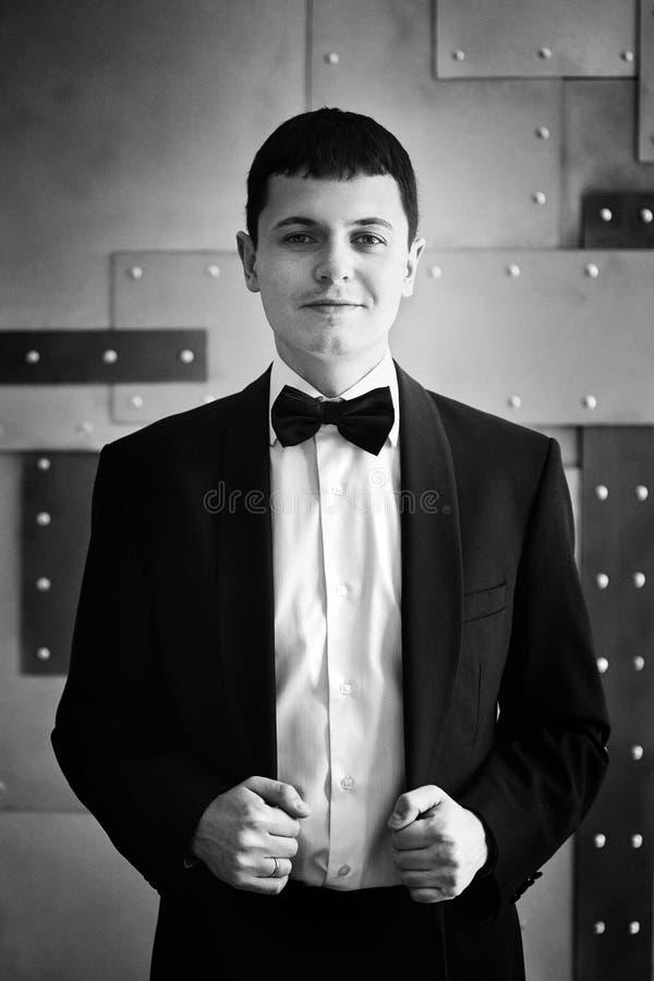 красивый смокинг человека стоковое изображение rf