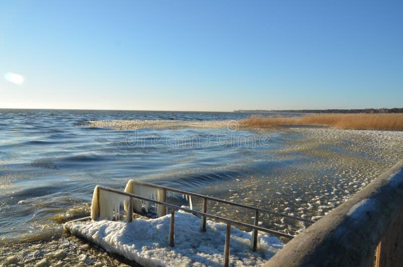 Красивый, солнечный, морозный день стоковое изображение rf