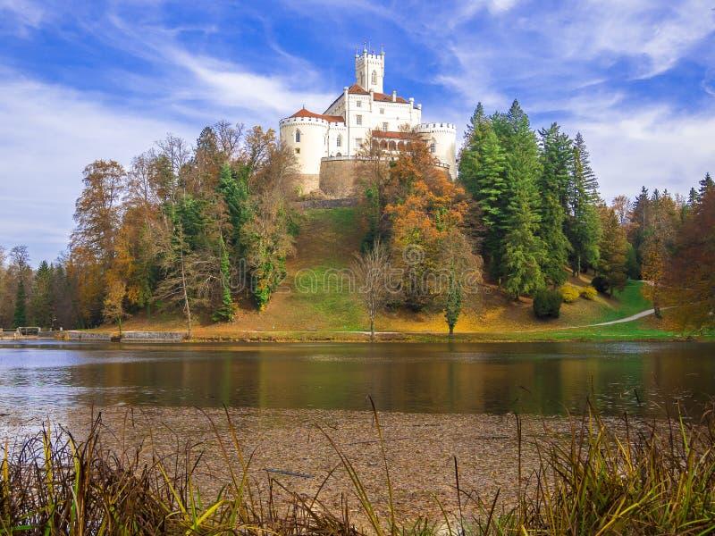 Красивый старый замок Trakoscan стоковая фотография rf