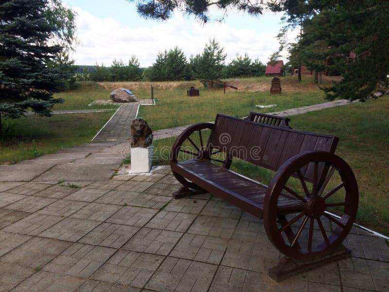Красивый стенд в парке лета стоковое изображение