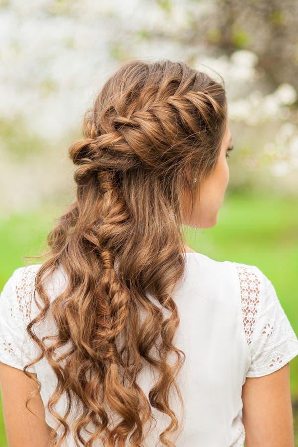 Красивый стиль причёсок оплетки стоковое изображение rf