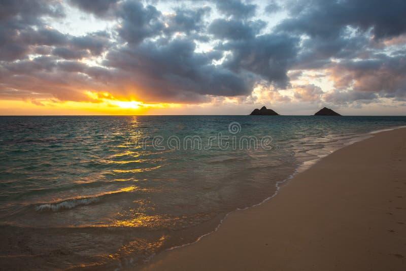 Красивый сценарный пляж Оаху Гаваи LaniKai стоковая фотография