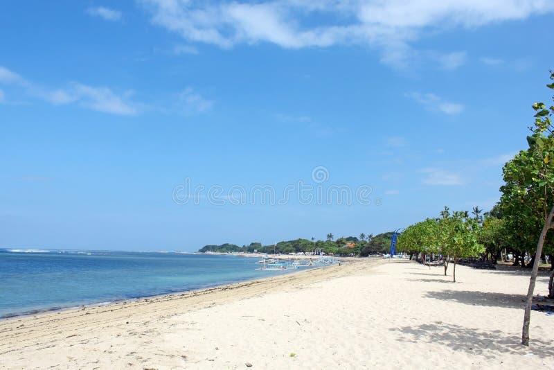 Красивый тропический пляж в Бали стоковые фотографии rf