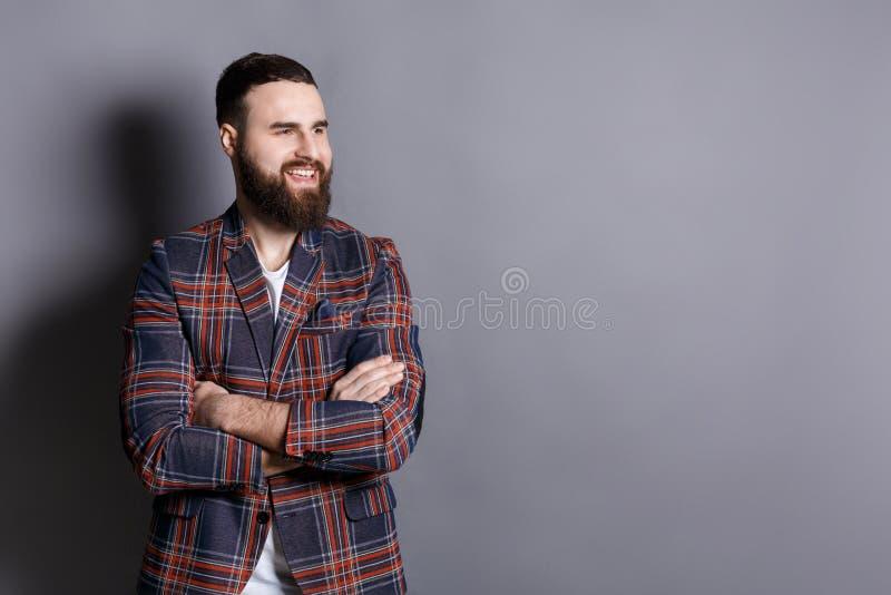 Красивый уверенно бородатый портрет человека стоковое фото rf