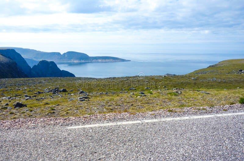 Красивый фьорд в Норвегии около Nordkapp стоковая фотография rf