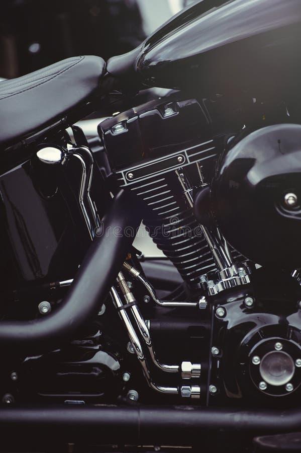 Красивый черный конец-вверх мотора мотоцикла, взгляд фильтра стоковая фотография rf