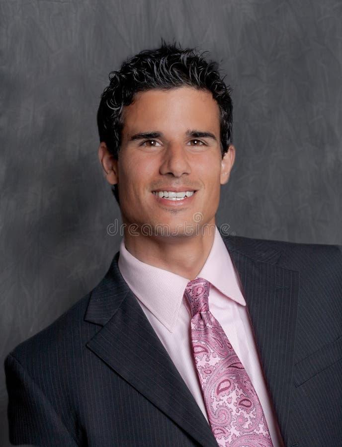 Красивый человек в костюме и связи стоковая фотография