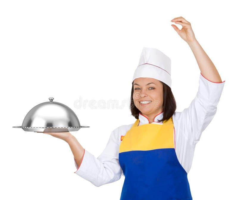 Красивый шеф-повар молодой женщины с Cloche ресторана стоковые изображения rf