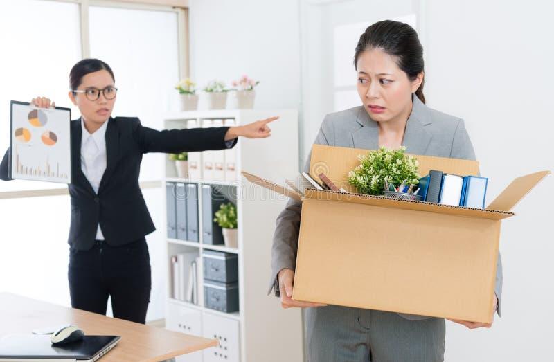 Красивый элегантный страх чувства девушки работника офиса стоковая фотография rf