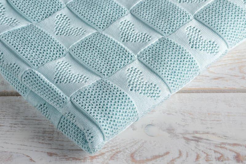 Красивый handmade свет одеяла - голубой цвет стоковое изображение