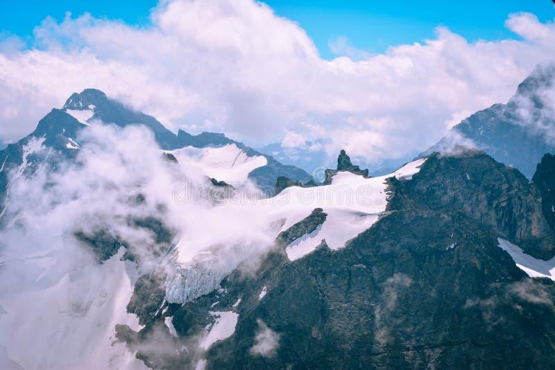 Красивый Mountain View от Pilatus, Швейцарии стоковое фото