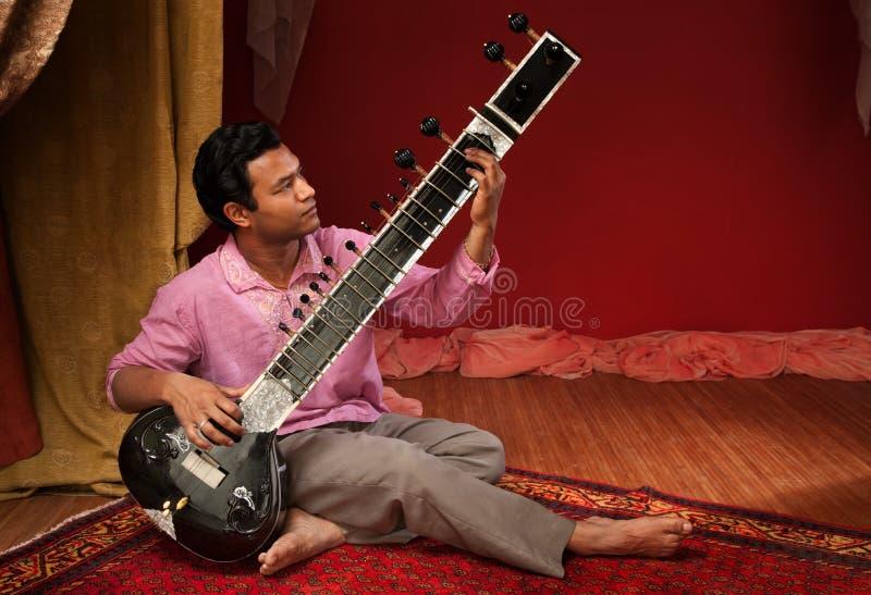 красивый sitar игрока стоковые изображения