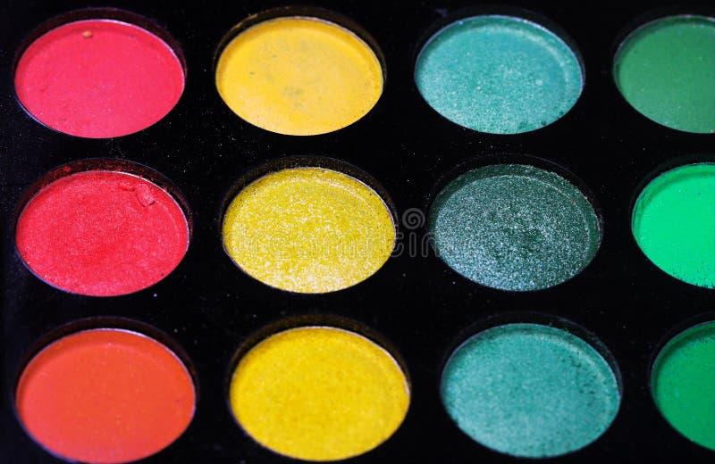 Download красит Eyeshadows косметик различные профессиональным Стоковое Изображение - изображение насчитывающей глаз, женственно: 40581515