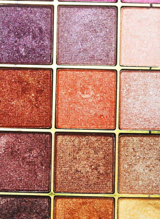 Download красит Eyeshadows косметик различные профессиональным Стоковое Фото - изображение насчитывающей лицево, сторона: 40581556