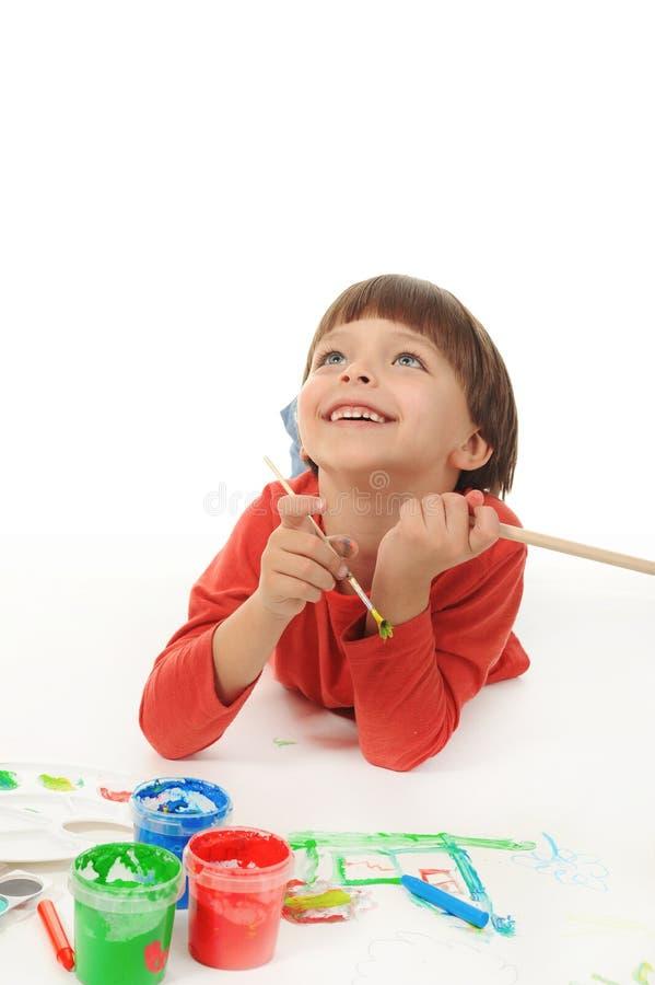 краски мальчика маленькие стоковая фотография rf