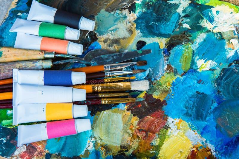 Краски масла, палитра, стоковое изображение