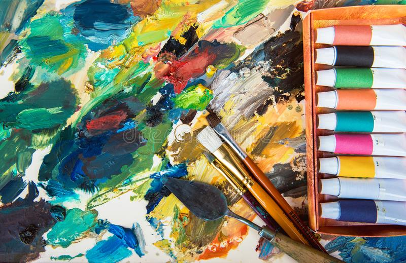 Краски масла, палитра стоковая фотография rf