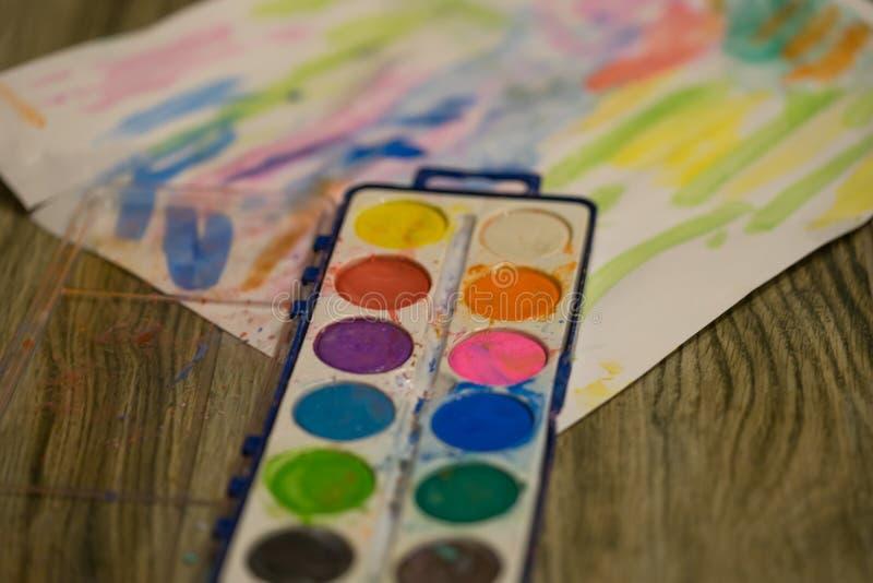 Краски младенца стоковое изображение