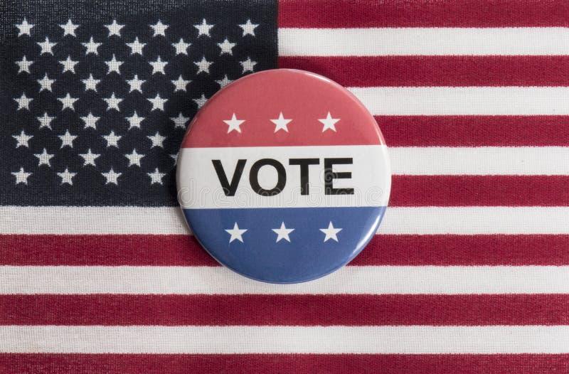 Красная, белая и голубая кнопка голосования с флагом США стоковые фотографии rf