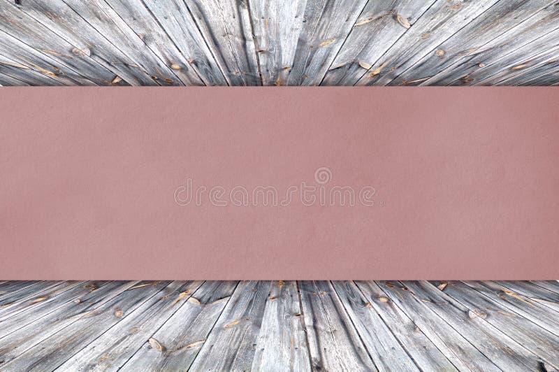 Красная бумага на древесине стоковые фотографии rf