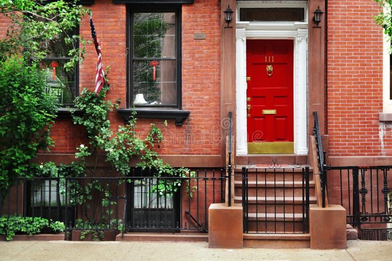 Красная дверь стоковые фото