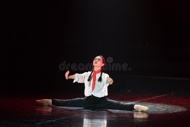 Красная драма танца шарфа 14-Lilac стоковая фотография
