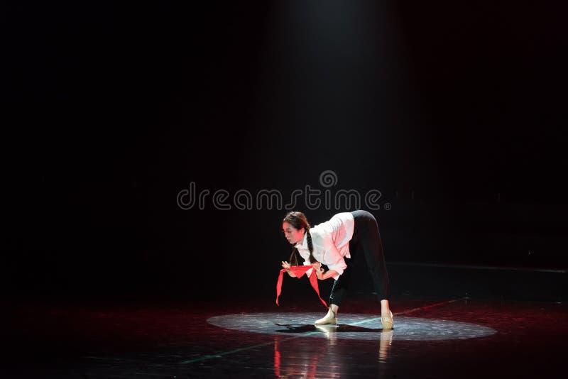 Красная драма танца шарфа 15-Lilac стоковое изображение rf