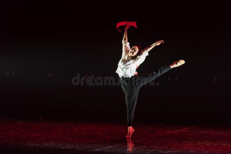Красная драма танца шарфа 20-Lilac стоковое фото