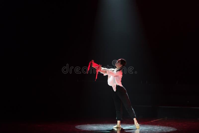 Красная драма танца шарфа 25-Lilac стоковые изображения
