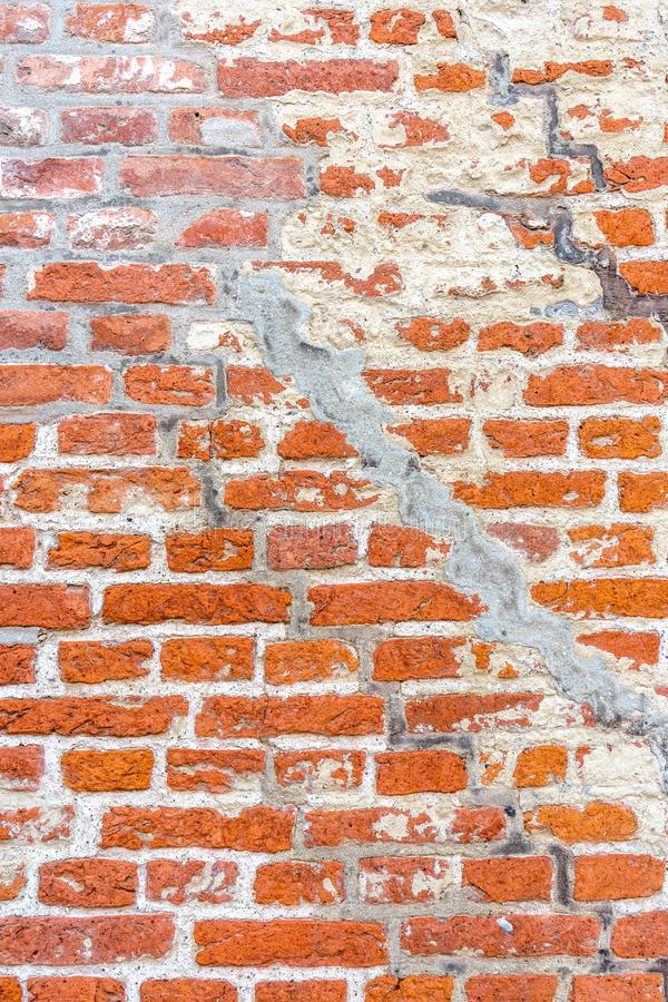 Красная кирпичная стена с отказами стоковое изображение rf