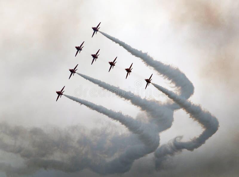 Красная команда дисплея RAF стрелок в действии стоковое фото