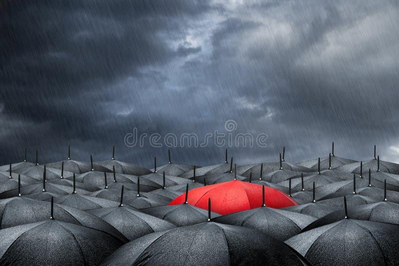 Красная концепция зонтика стоковая фотография rf