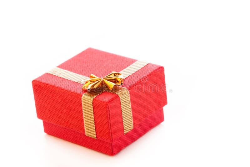 Красная коробка ювелирных изделий стоковое фото rf