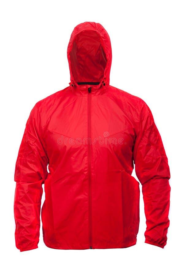 Красная куртка спорт windbreaker при клобук, изолированный на белизне стоковые изображения