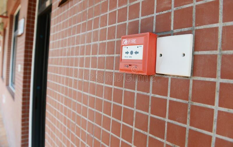 Красная пожарная сигнализация стоковое фото rf