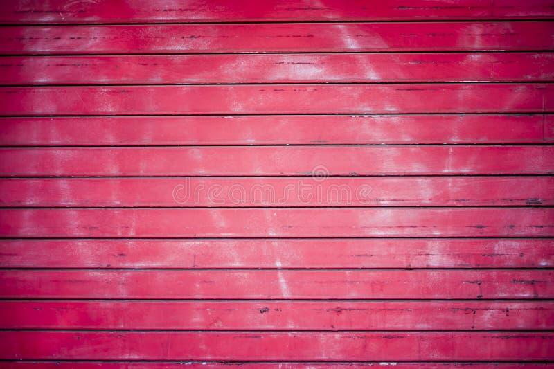 Красная предпосылка двери (1 из 2) стоковая фотография