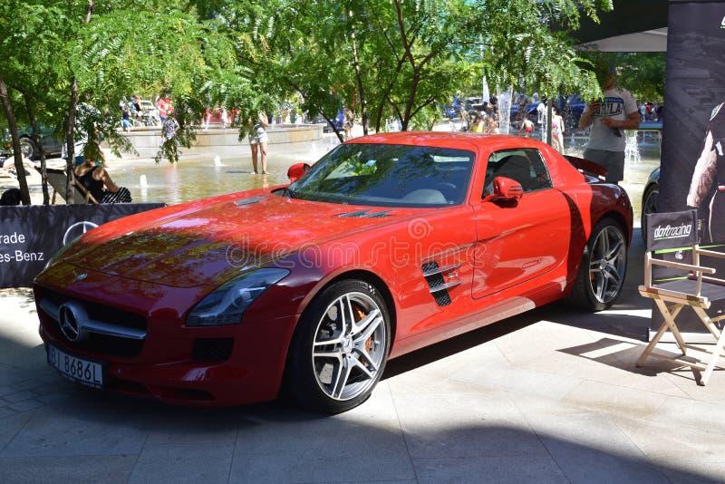 Красная спортивная машина Мерседес-Benz AMG GT стоковые изображения