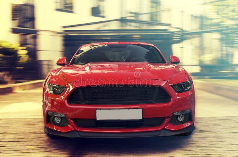 Красная спортивная машина стоковое изображение rf