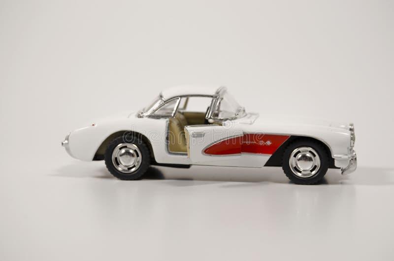 Красногорск, Россия - январь 2019: Collectible автомобиль Chevrolet Corvette 1957 игрушки стоковое фото rf