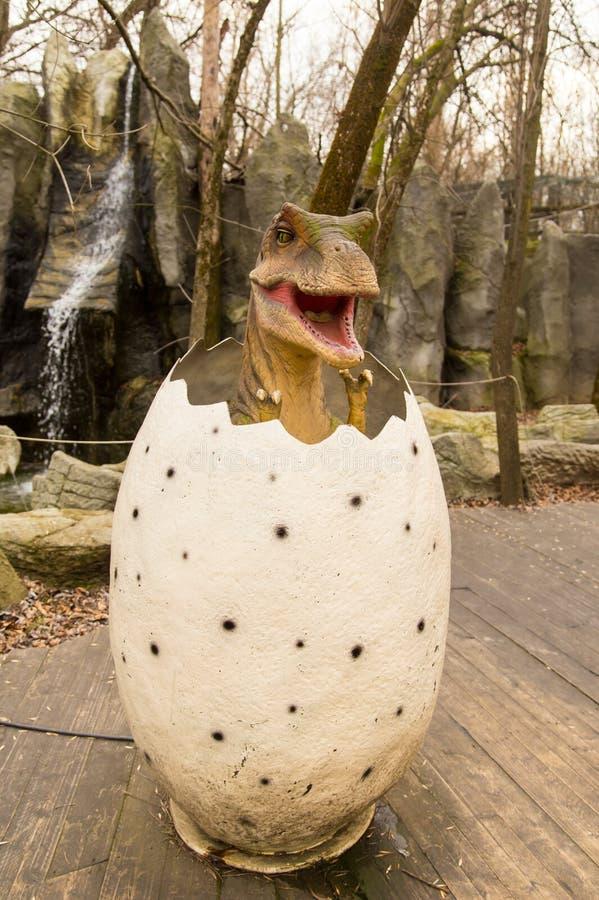 Краснодар, Российская Федерация 5-ое января 2018: Модель динозавра в парке сафари города Краснодара стоковые фото