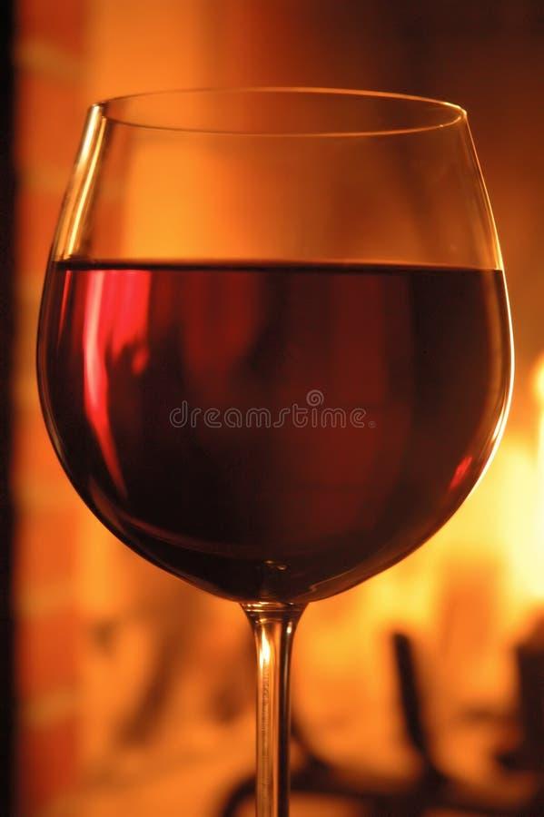 Download красное вино стоковое фото. изображение насчитывающей пожар - 490080