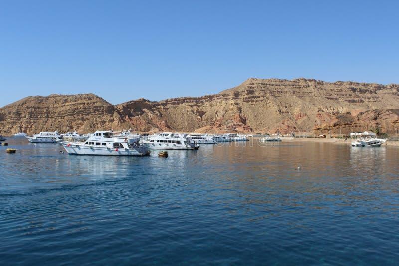 Красное Море, яхты и шлюпки стоковые фотографии rf