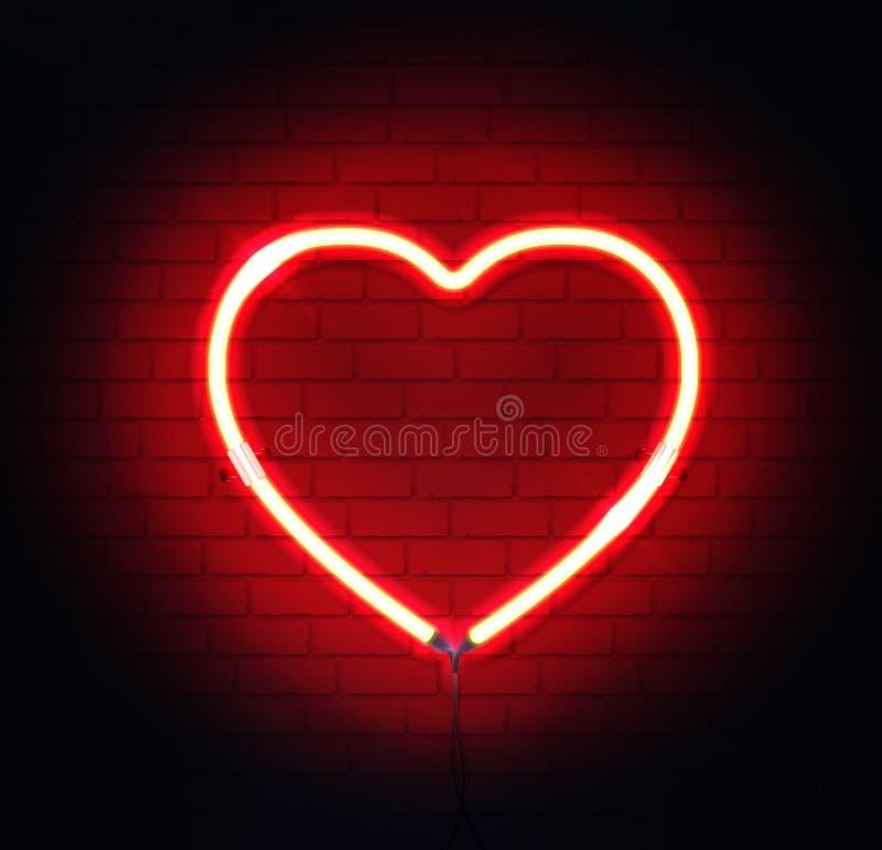 Красное неоновое сердце Яркая неоновая вывеска ночи на предпосылке кирпичной стены с освещает контржурным светом стоковая фотография
